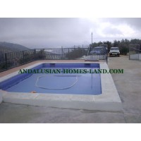 NICE HOUSE WITH POOL IN IZNAJAR