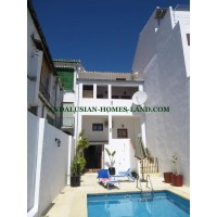 MAGNIFICENT HOUSE ABSOLUTELY PRIVATE  ON THE MAIN STREET OF VILLANUEVA DE TAPIA