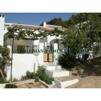 INTERESTING AND BEAUTIFUL HOUSE IN ADELANTADO WITH GREAT VIEWS AND COMPLETELY PRIVATE