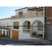 MAGNIFICENT AND LARGE TOWNHOUSE IN A QUIET AREA OF VILLANUEVA DE ALGAIDAS