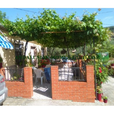 VERY PRETY AND COMFORTABLE HOUSE WELL SITUATED IN THE COUNTRYSIDE