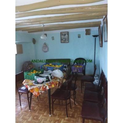 TERRIFIC 4 BEDROOMS CORTIJO WITH SWIMMING POOL