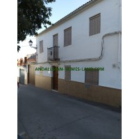 GREAT OPPORTUNITY HOUSE OF TWO FLOORS IN IZNAJAR